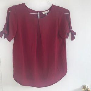 Monteau Cold Shoulder blouse